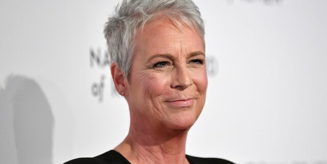Jamie Lee Curtis Pays Homage To Her Mother By Wearing A Psycho Themed Look To Halloween Kills Premiere