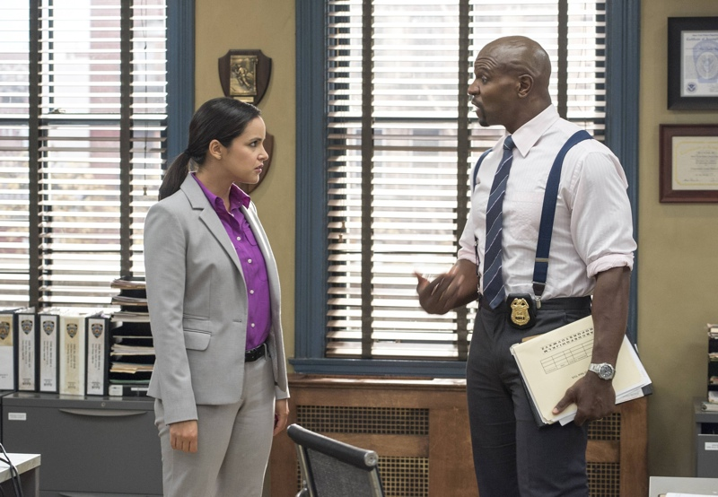 207Brooklyn99-S2-Ep7_Scn17_19_0009_f_hires1