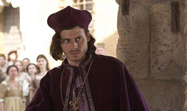 Francois Arnaud May Lead Fifty Shades Of Grey, Charlie Hunnam Only Offered $125,000