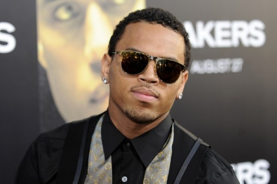 56713-chris-brown-arrives-at-the-premiere-of-takers-in-los-angeles
