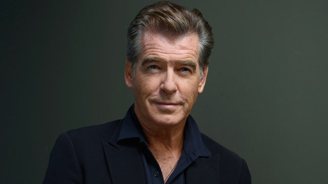 Pierce Brosnan Turned Down The Chance To Play Batman For Tim Burton