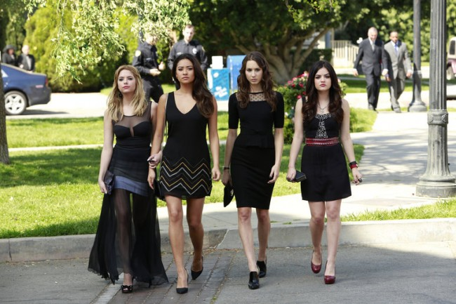 773x e1371016272936 Pretty Little Liars Season Premiere Review: A is for A l i v e (Season 4, Episode 1)