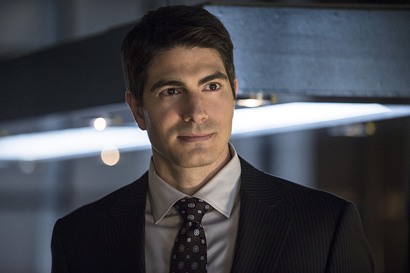 Brandon Routh Teases The Atom's Costume On Arrow, Plus New Images From Season Premiere