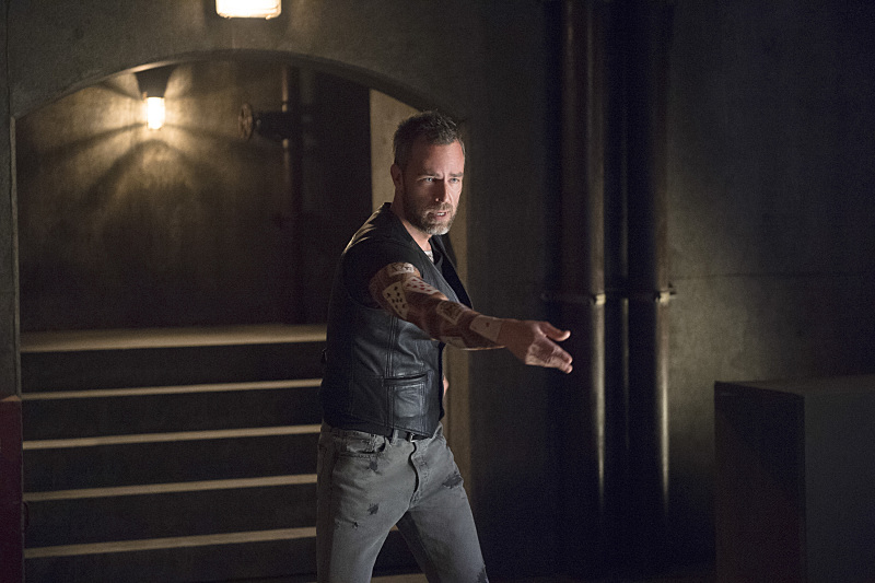 """First Look Images From Arrow Season 4, Episode 3: """"Restoration"""""""