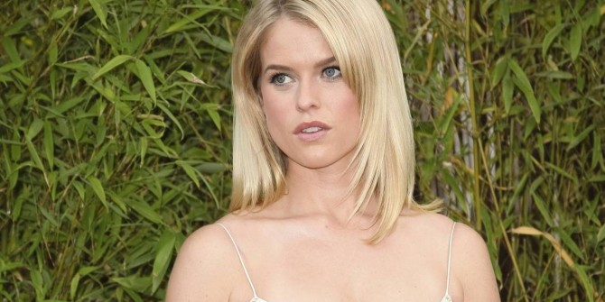 Alice Eve Boards Sci-Fi Thriller Replicas With Keanu Reeves