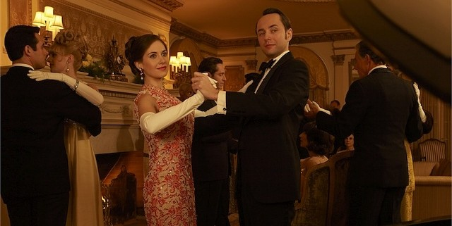 Alison Brie and Vincent Kartheiser in Mad Men 640x321 Mad Men Gallery
