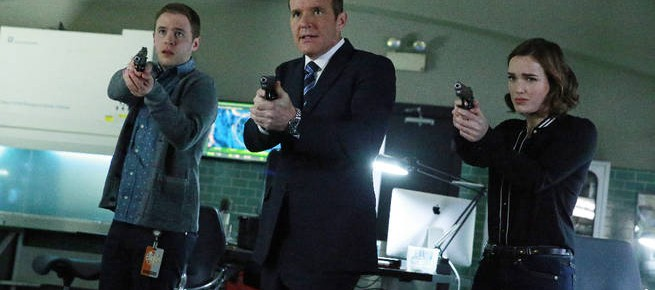 "Agents Of S.H.I.E.L.D. Season Finale Review: ""S.O.S."" (Season 2, Episodes 21 & 22)"