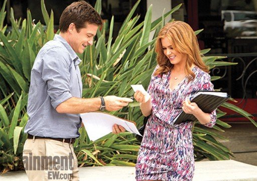 First Look At Isla Fisher In Arrested Development