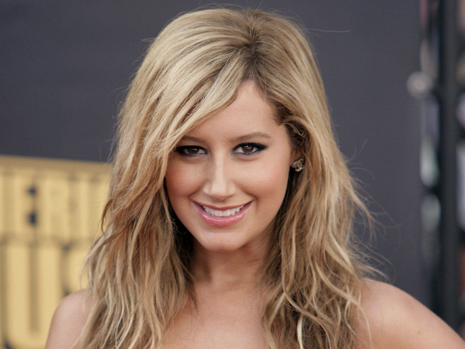 Ashley Tisdale Joins Sons Of Anarchy