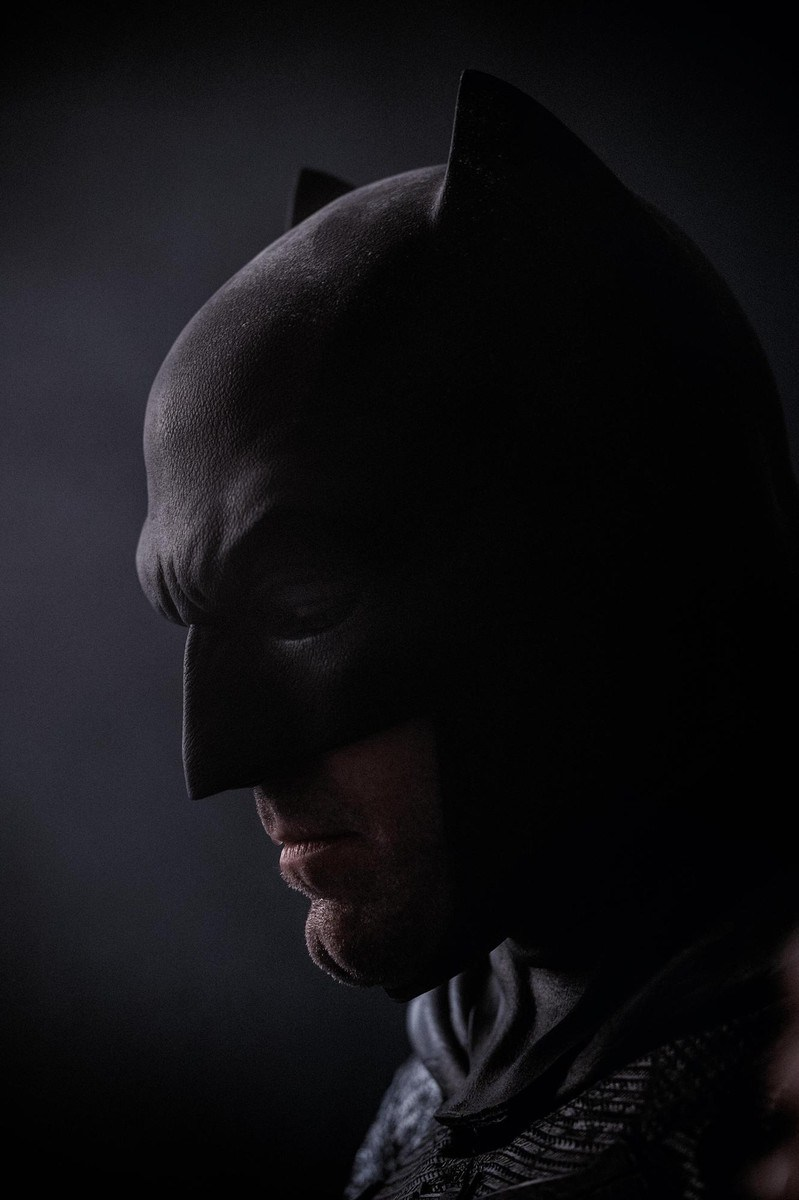 New Photo Of Ben Affleck In Costume For Batman V Superman: Dawn Of Justice Released