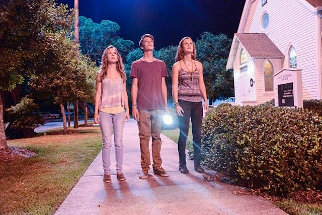Britt Robertson, Colin Ford and Mackenzie Lintz in Under the Dome