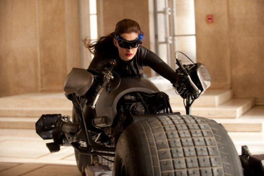 First Look At Full Catwoman Suit On The Dark Knight Rises Set