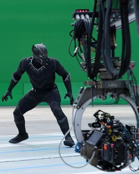 Cap Battles Black Panther In New Captain America: Civil War Behind The Scenes Images