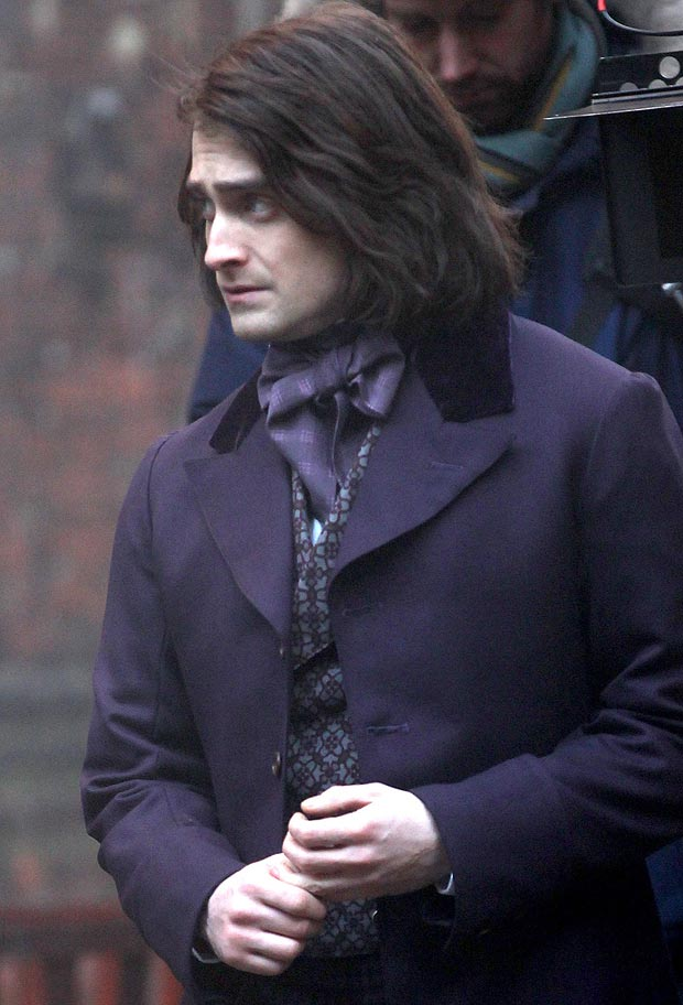 Daniel-Radcliffe-on-set-of-Frankenstein