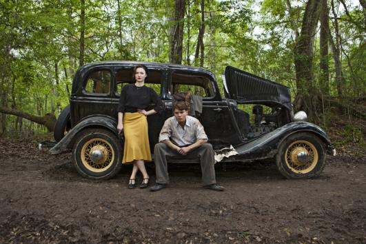 Emile-Hirsch-and-Holliday-Grainger-play-Bonnie-and-Clyde-in-miniseries