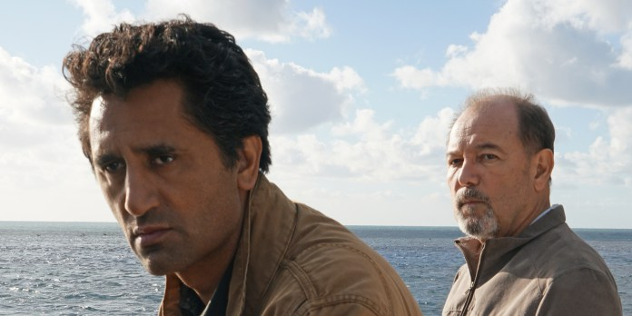 Warner Bros. Shark Thriller Meg Ropes In Fear The Walking Dead's Cliff Curtis