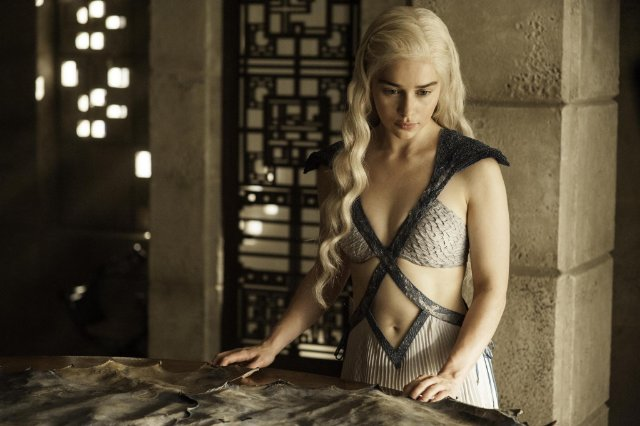 Watch Two New Deleted Scenes From Game Of Thrones Season 4