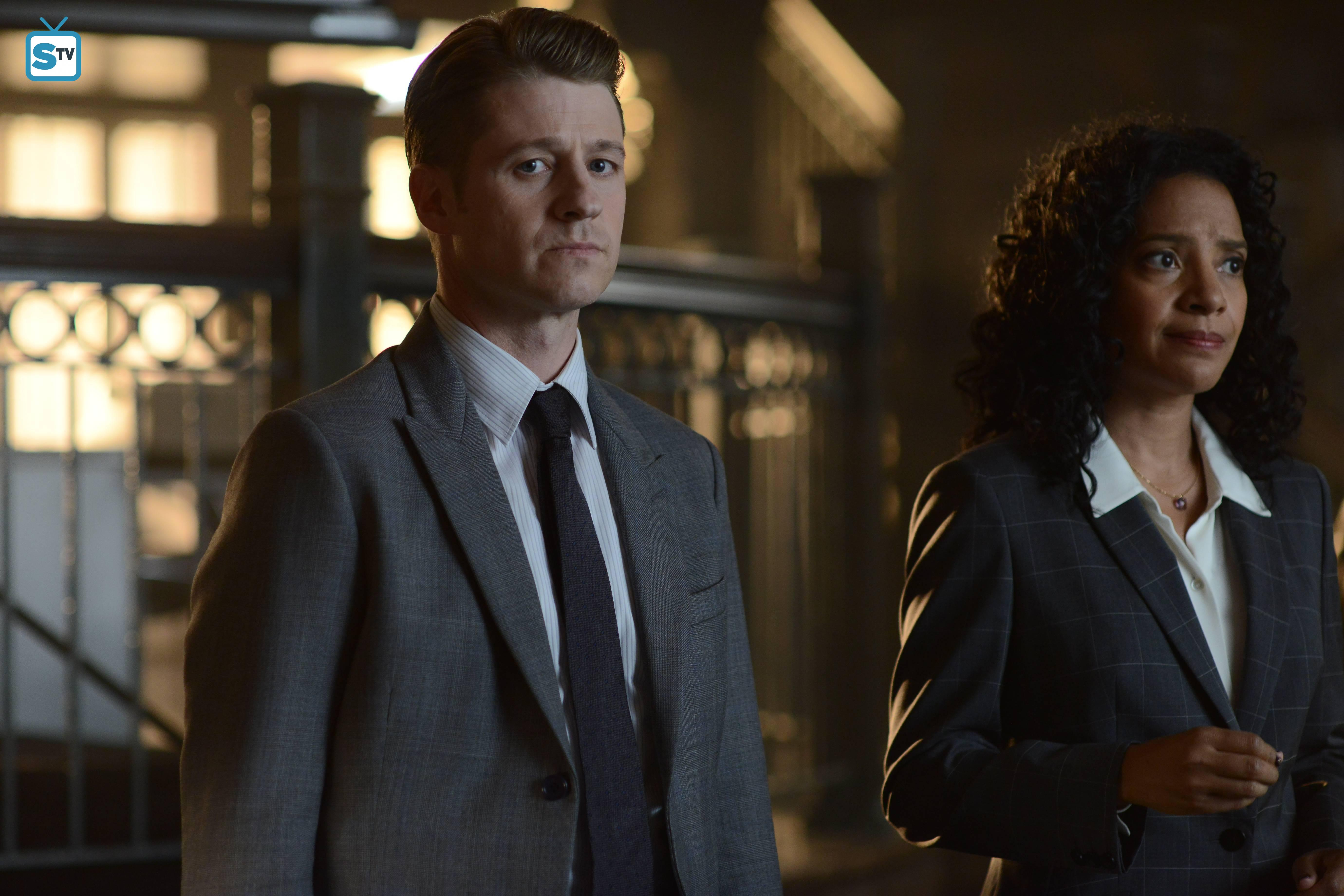 "First Look Photos From Gotham Season 2, Episode 2; ""Knock, Knock"""