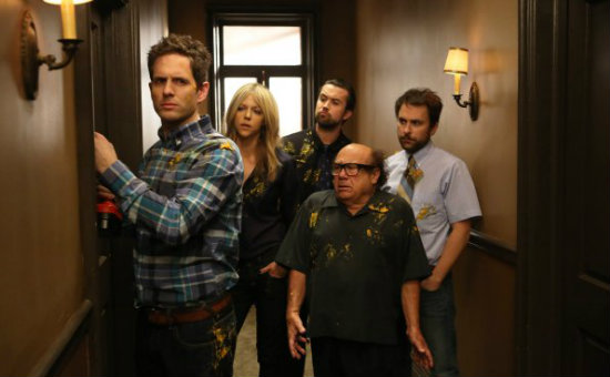 "It's Always Sunny In Philadelphia Review: ""The Gang Squashes Their Beefs"" (Season 9, Episode 10)"