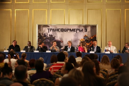 Press Conference Interview With The Cast And Director Of Transformers: Dark Of The Moon