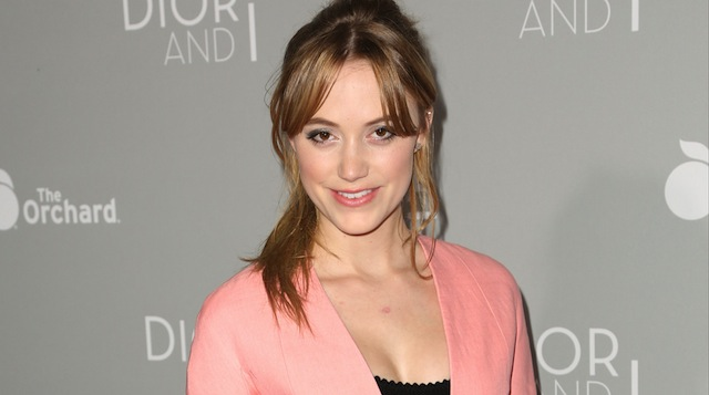 Independence Day 2 Finds Its Female Lead In It Follows Starlet Maika Monroe