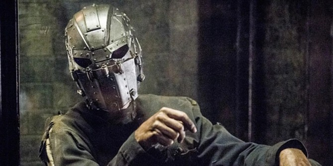 8 Intriguing Theories About The Man In The Iron Mask's Identity In The Flash