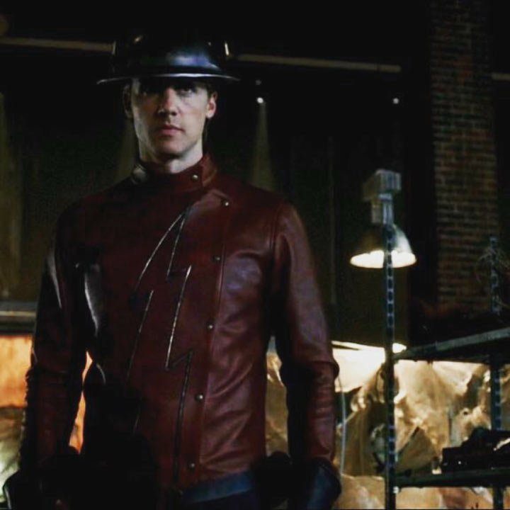 First Official Image Of Teddy Sears As Jay Garrick In Season 2 Of The Flash