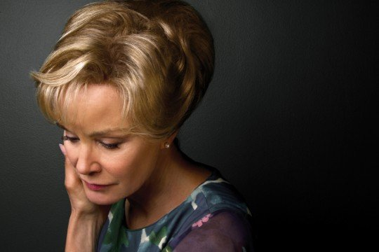 Jessica-Lange-as-Constance-in-AMERICAN-HORROR-STORY-1