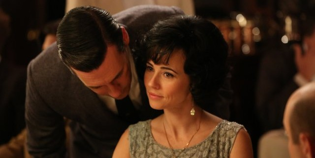 Jon Hamm and Linda Cardellini in mad Men 640x321 Mad Men Gallery