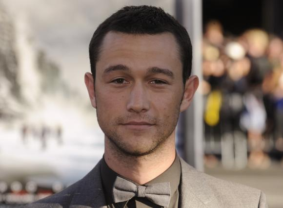 Joseph-Gordon-Levitt-attends-the-premiere-of-the-film-Inception-in-Los-Angeles