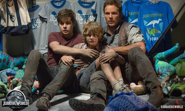 Chris Pratt Cowers In Terror In New Image From Colin Trevorrow's Jurassic World