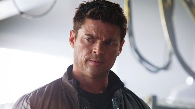 Thor: Ragnarok's Karl Urban Is Bulking Up To Play Skurge The Executioner