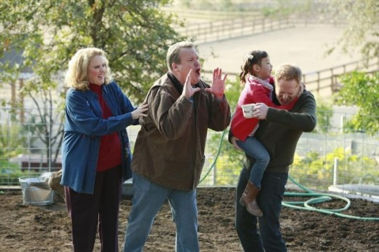 "Modern Family Review: ""Closetcon '13"" (Season 5, Episode 8)"