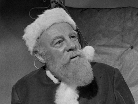 Miracle On 34th Street christmas movies 2392848 640 480 480x360 We Got This Covereds 25 Days Of Christmas