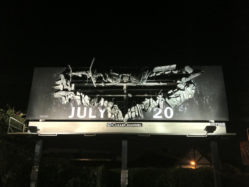 Smashing New Billboard For The Dark Knight Rises Spotted
