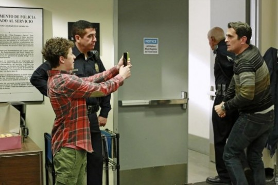 Modern-Family-Season-5-Episode-11-And-One-to-Grow-On