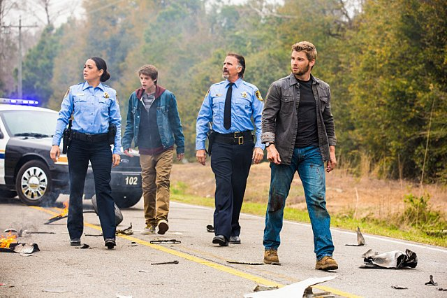 Natalie Martinez, Colin Ford, Jeff Fahey and Mike Vogel in Under the Dome