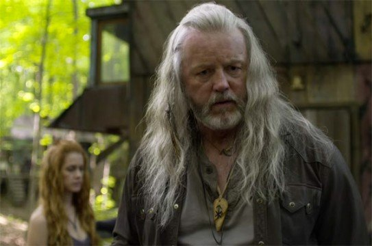Outsiders Will Return For A Second Season With WGN America