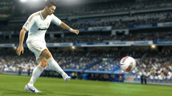 Konami's First Pro Evolution Soccer 2013 Demo Has Dribbled Its Way Onto Xbox 360 & PC