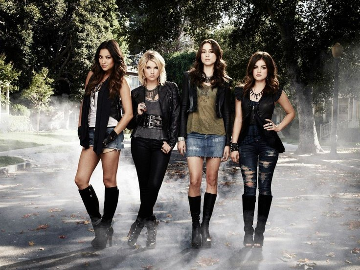 PLLf 5 Reasons Why You Cant Stop Watching Pretty Little Liars