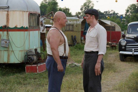 "American Horror Story: Freak Show Review: ""Massacres And Matinees"" (Season 4, Episode 2)"