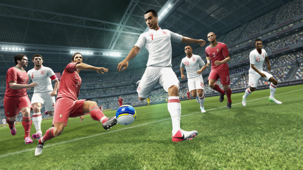 Kick-Off: Demos For FIFA 14 & Pro Evolution Soccer 14 Are Now Live