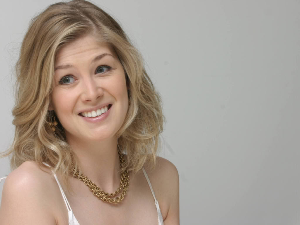 Rosamund Pike Joins Clash Of The Titans 2