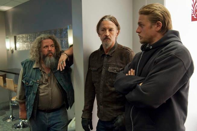 "Sons Of Anarchy Review: ""Authority Vested"" (Season 5, Episode 2)"