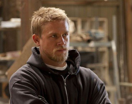 charlie hunnam asked to do an eighth season of sons of anarchy. Black Bedroom Furniture Sets. Home Design Ideas