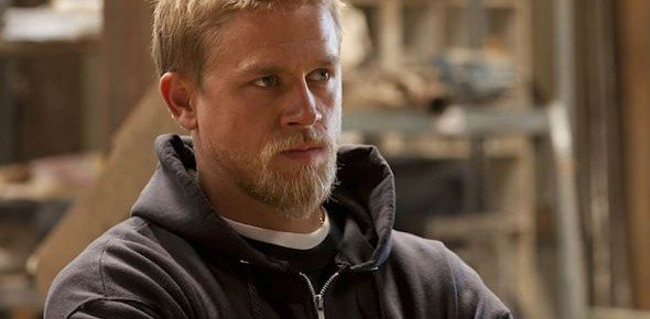 Charlie Hunnam Making Directorial Debut With Tommy Flanagan