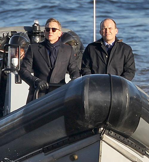 Bond Takes To The Thames In First Spectre Set Video; Script Reportedly Leaked In Sony Hack