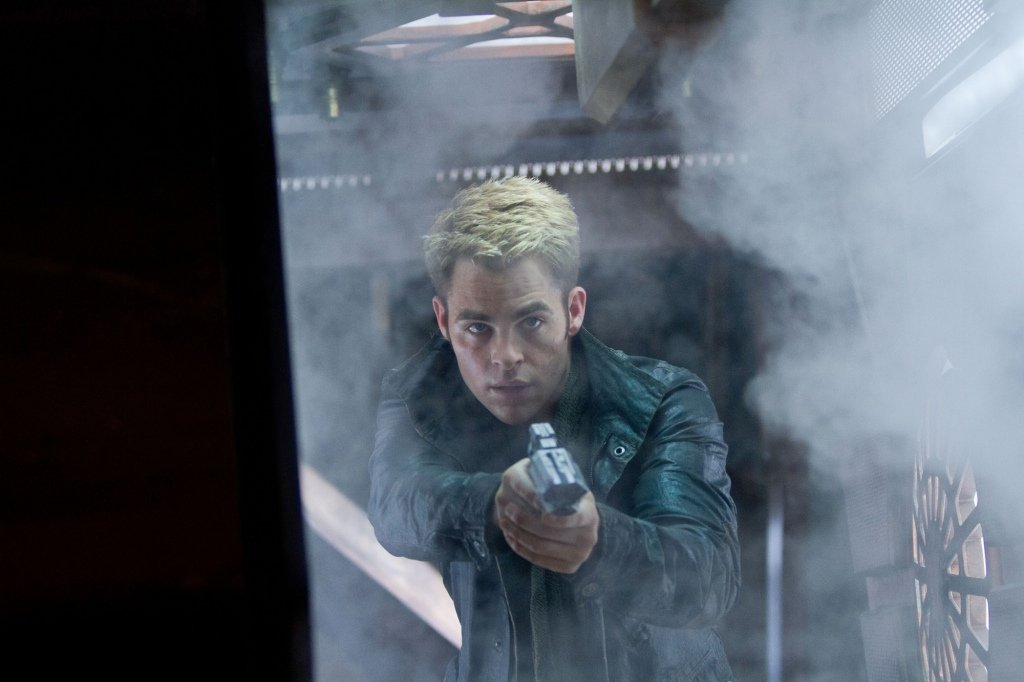Star Trek Into Darkness Armed Kirk Star Trek Into Darkness Gallery