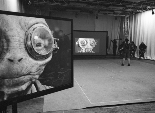 Star Wars: Episode VIII Set Photo Hints At Maz Kanata's Return, Ade Edmondson Linked