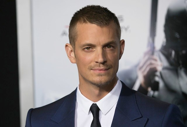Joel Kinnaman Cast As The Lead In Netflix's Adaptation Of Altered Carbon